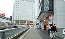 JR立川駅方面へ進む
